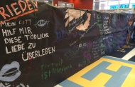 German students create iconic Berlin Wall